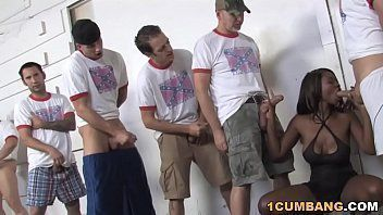 Filmes pornor com mulata mamando o bonde