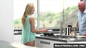 Xvideos loira linda chupa e leva mastro na xota quente