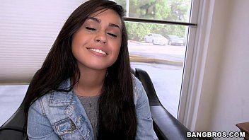 Xvideos top novinha mostra bunda de fio dental