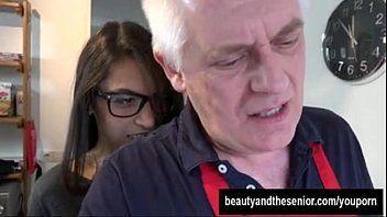 Filme de sexo proibido neta novinha trepando com avô