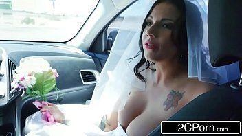 Tube bronha gostosa fugiu do casamento e deu o cu