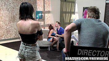 Porno tuby gostosa dando show no seu primiero pornô
