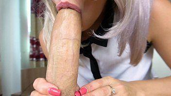 Esposa devassa babou no pau do marido dotado é pediu para ele arrombar sua buceta