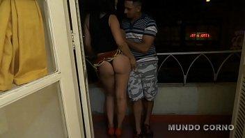 Amadora dançarina Brasileira metendo com macho do pau grosso