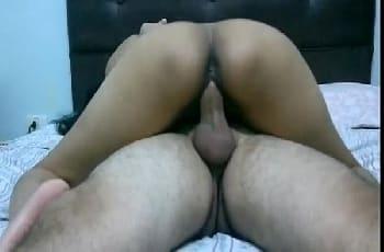 Noiva trai chupa fode e ganha leite na boca