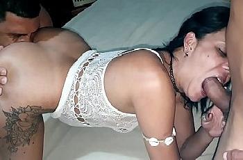 Esposa vadia suruba com dois machos gostosos da internet